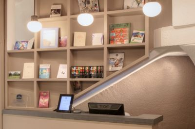 Front-Office-Alize-Montmartre-1
